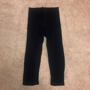 Athleta Black cropped leggings (XS)